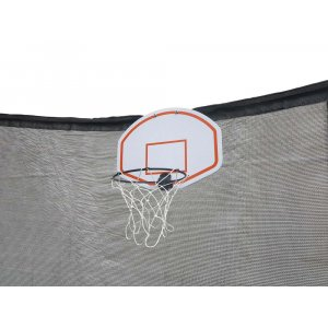 Basketkorg med boll för studsmatta